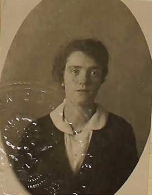 Joyce Ginns (NARA/Ancestry)