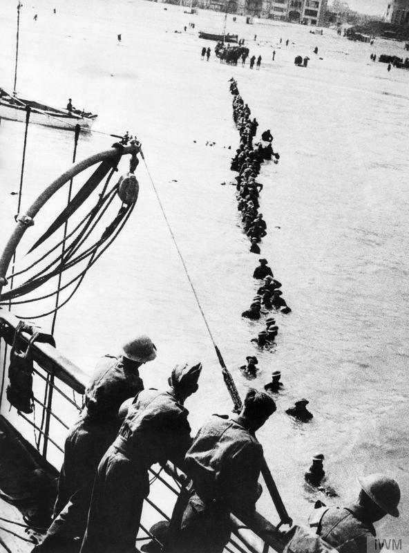 British troops wading out to a destroyer to evacuate at Dunkirk © IWM (HU 41240)